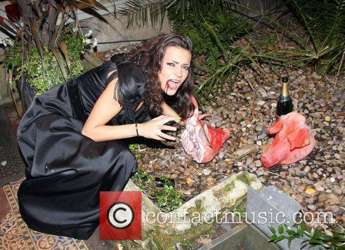 Attends 2009 'Bloodlust Ball' at the Hampton Court...