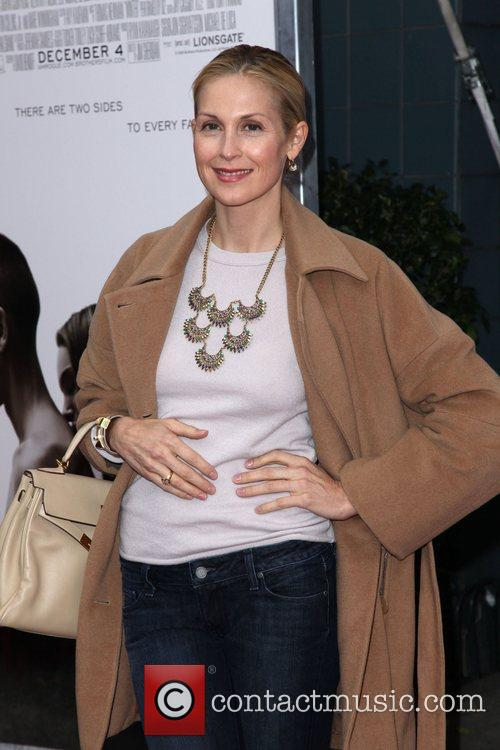 Kelly Rutherford The Cinema Society, Details and DKNY...
