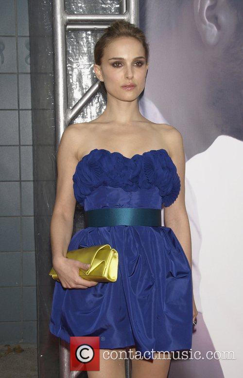 Natalie Portman The Cinema Society, Details and DKNY...