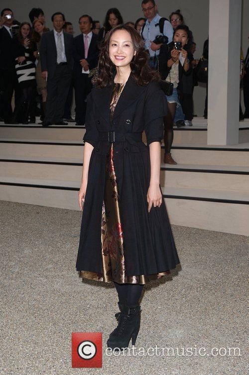 Lee Na Young 25th anniversary London Fashion Week...