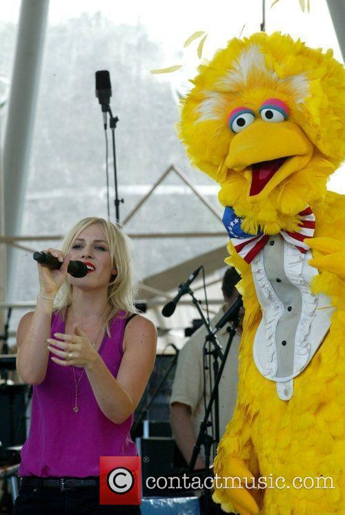 Natasha Bedingfield and Big Bird From Sesame Street 8