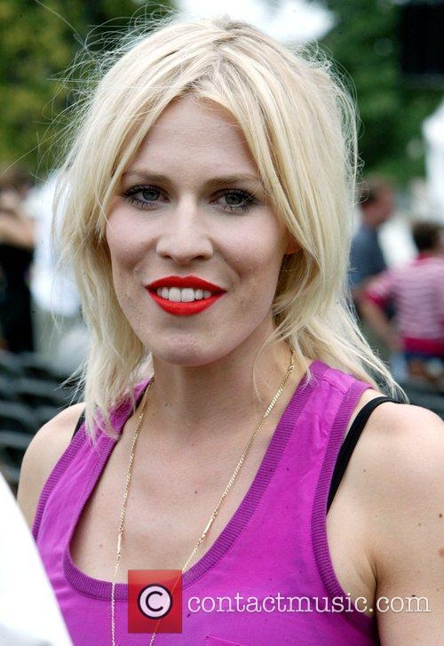 Natasha Bedingfield 25