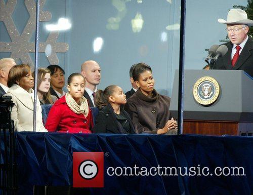 Marian Robinson, Malia Obama, Sasha Obama, and Michelle...