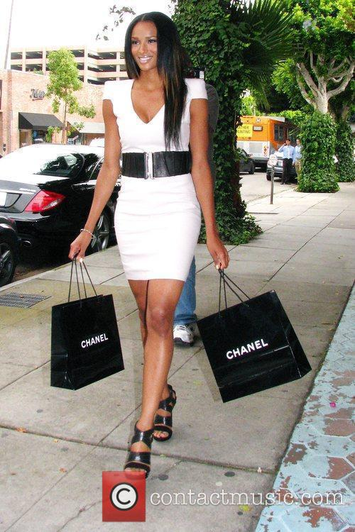Ciara At A Photo Shoot For For An Upcoming Feature In Us Weekly Magazine Where She Walked Up 4