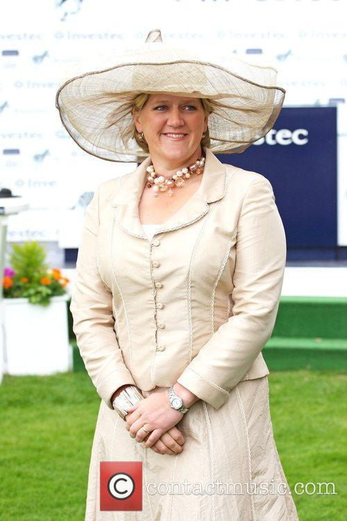 Bbc Sports Presenter Clare Balding 6