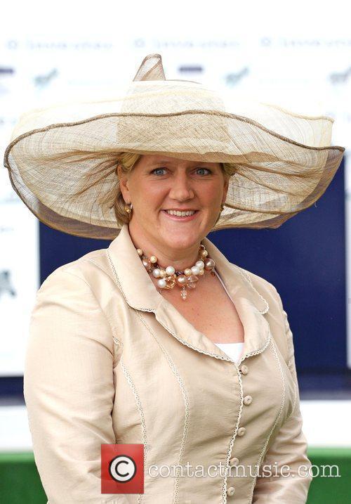 Bbc Sports Presenter Clare Balding 1