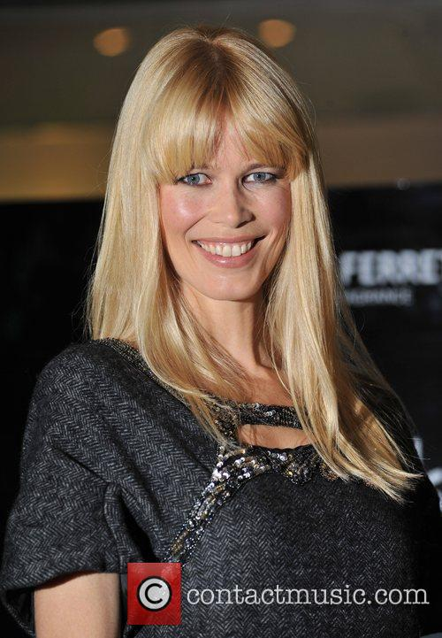 Claudia Schiffer and Alberta Ferretti 5