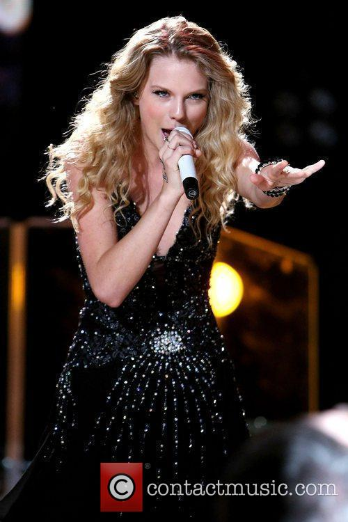 Taylor Swift The 2009 CMA Music Festival, The...
