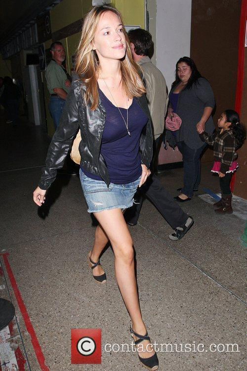 alicja bachleda arrives at lax airport after vacationing in cabo 5399931