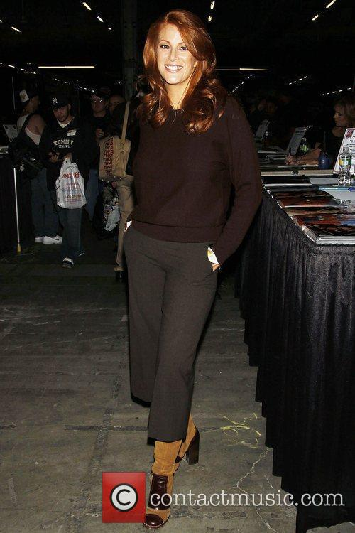 Angie Everhart 4