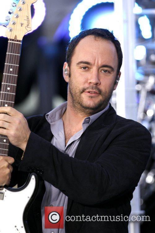 The Dave Matthews Band and Dave Matthews 16