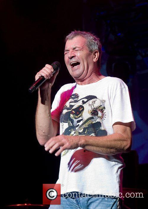 Ian Gillan Deep Purple performing at Manchester Apollo...