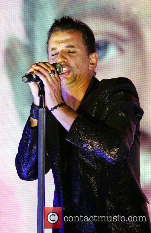 Dave Gahan Depeche Mode Performing Live At Madison Square Garden 9 Pictures