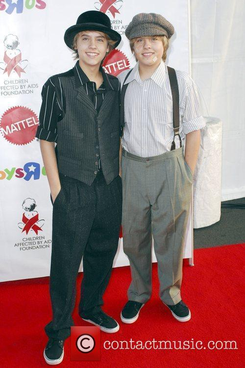 Dylan and Cole Sprouse 2