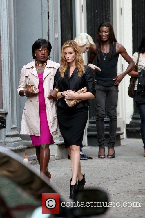 Viola Davis and Julia Roberts 2
