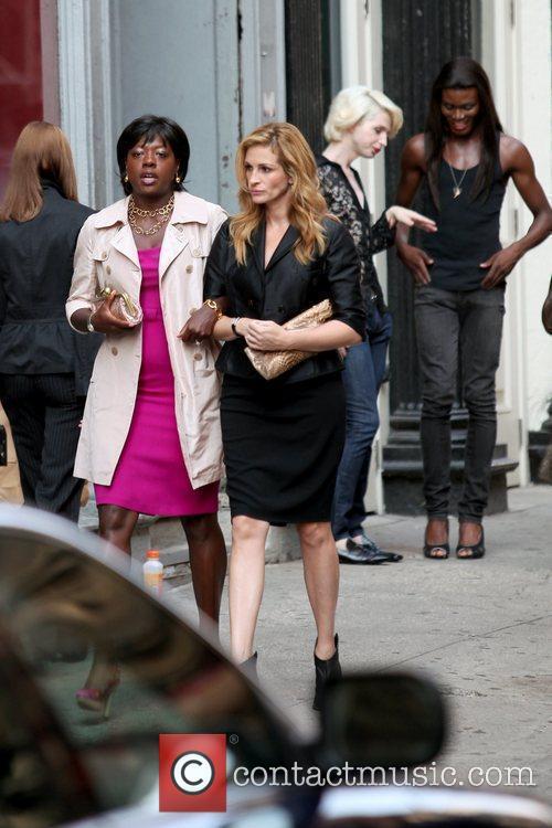 Viola Davis and Julia Roberts 6