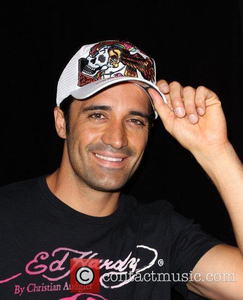 Gilles Marini Shopping At Ed Hardy In Culver City 6