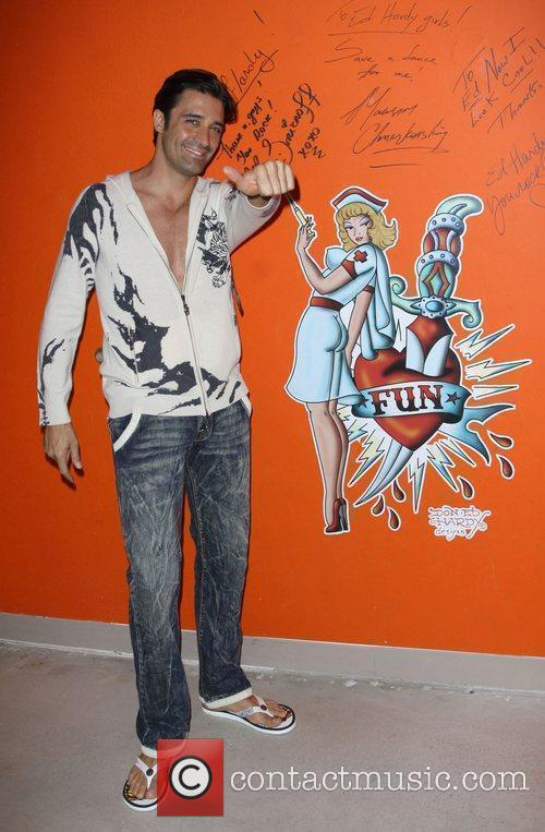 Gilles Marini Shopping At Ed Hardy In Culver City 4