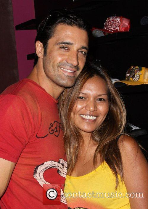 Gilles Marini shopping at Ed Hardy in Culver...