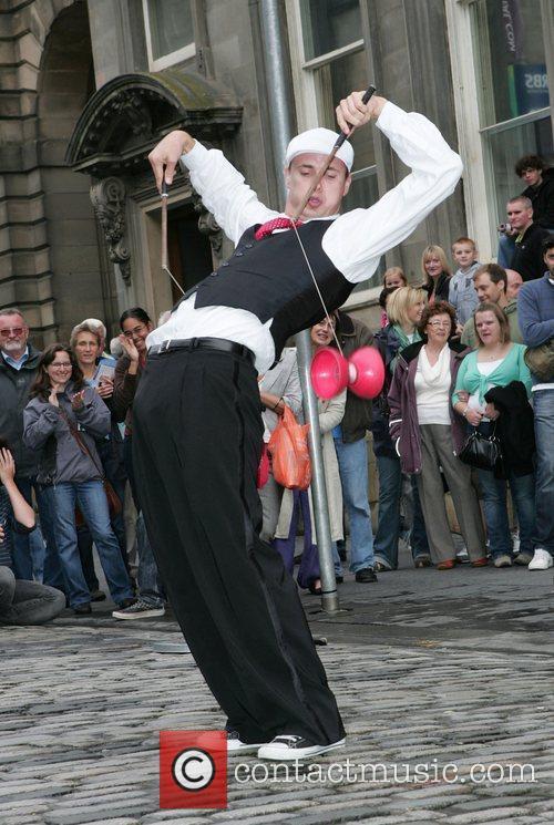 Street Performers 11