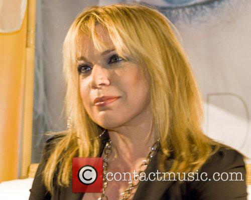 Latin Singer Ednita Nazario 3