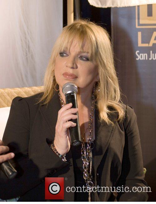 Latin Singer Ednita Nazario 4