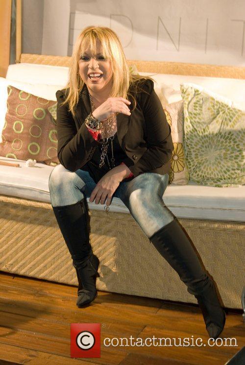 Latin Singer Ednita Nazario 6