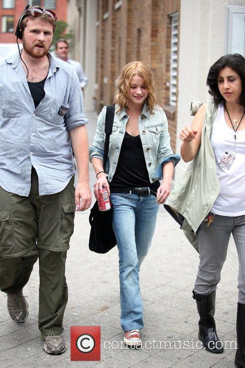 Emilie De Ravin Walk To Her Her Trailer During A Break On The Film Set Of 'remember Me' 3