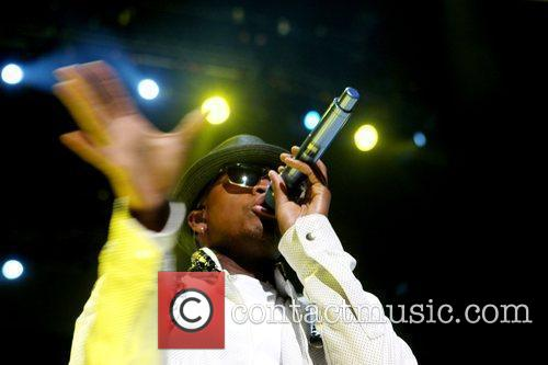Ne-Yo performs at the The 2009 Essence Music...