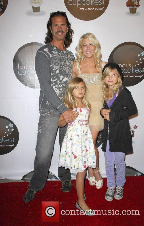 Lorenzo Lamas With His Daughters Shayne Lamas 4