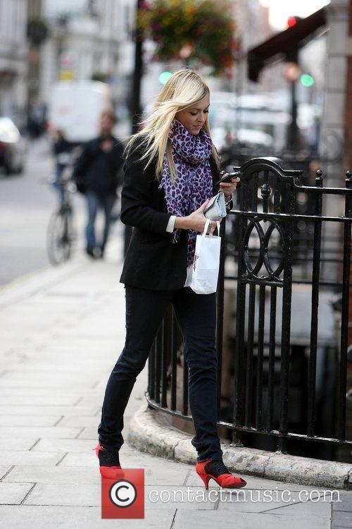 Fearne Cotton leaving to Pret A Manger after...