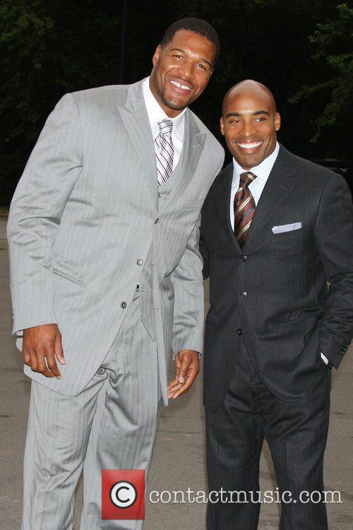 Michael Strahan and Tiki Barber 2