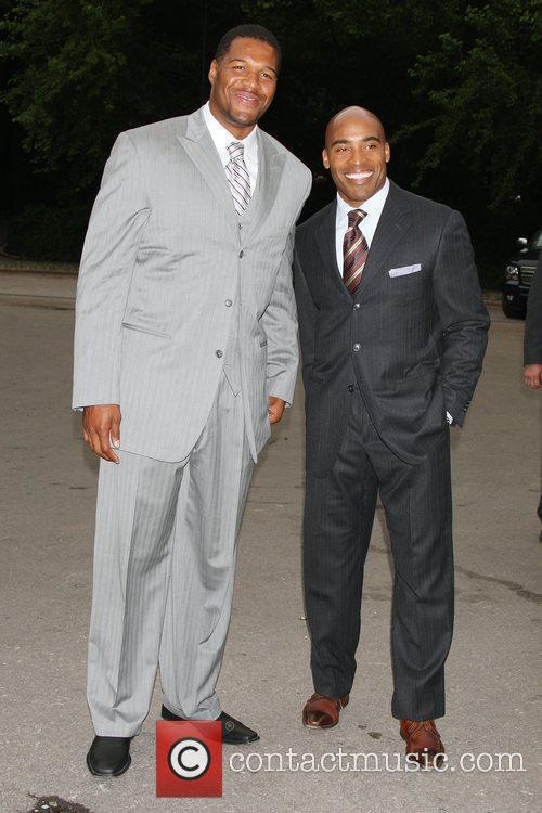 Michael Strahan and Tiki Barber 4