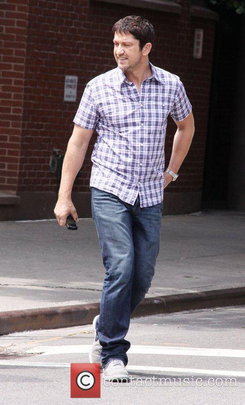 Gerard Butler and Jennifer Aniston 4