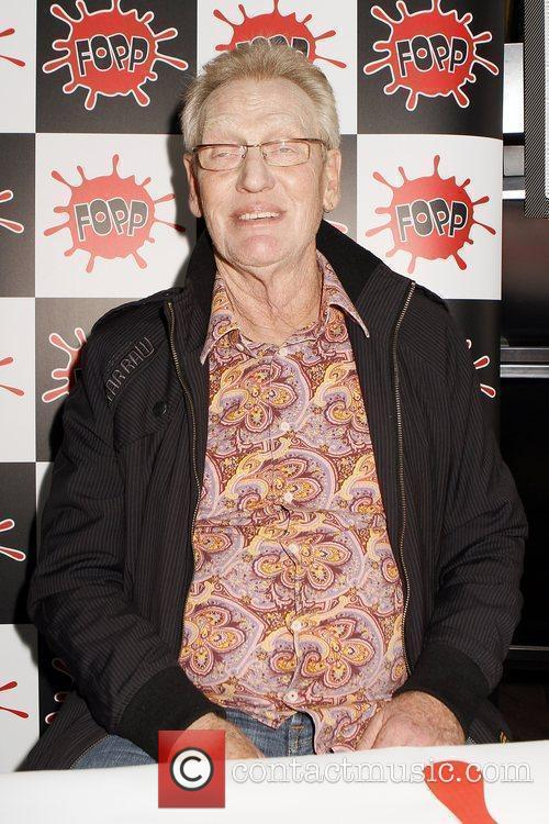 Signs copies of his autobiography 'Hellriaser' at Fopp...