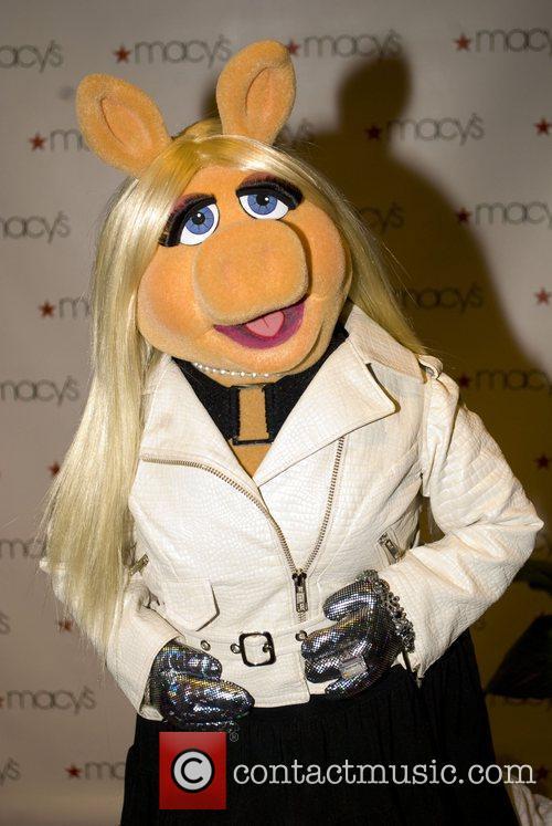 Miss Piggy The 11th Annual Macy's Glamorama -...