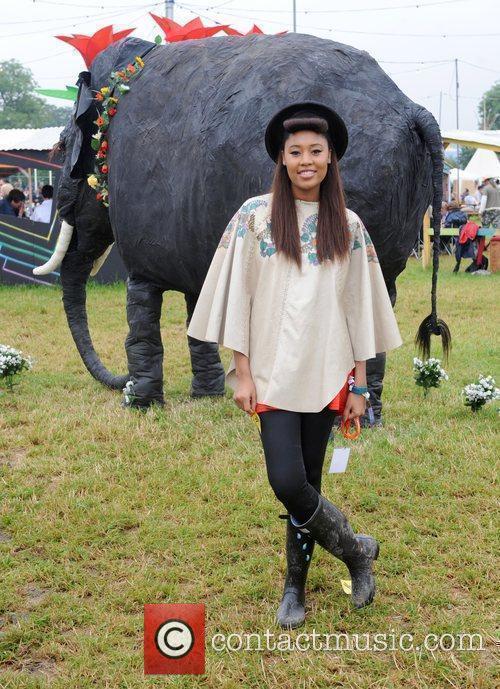 V V Brown, Glastonbury Festival and Glastonbury 2