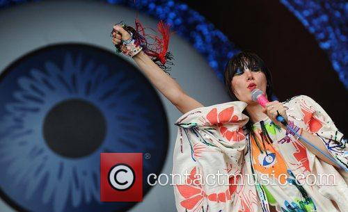 Yeah Yeah Yeahs, Glastonbury Festival and Glastonbury 5
