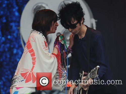 Yeah Yeah Yeahs, Glastonbury Festival and Glastonbury 3