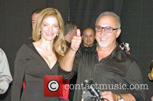 Attends his wife Gloria Estefan's concert - Jose...