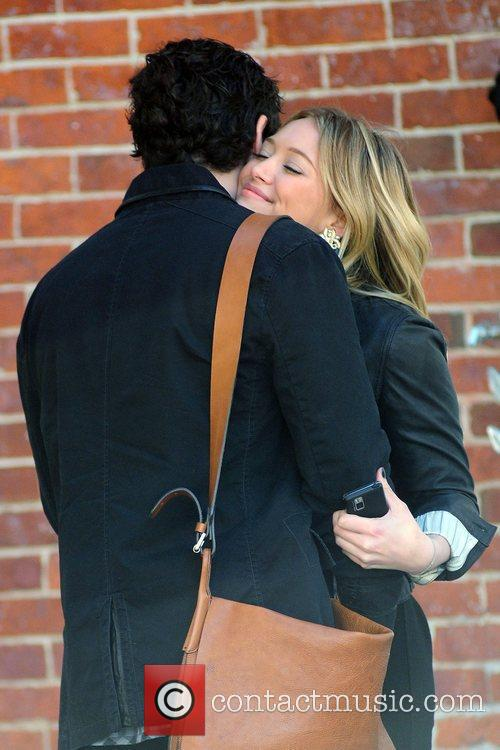 Penn Badgley and Hilary Duff 5