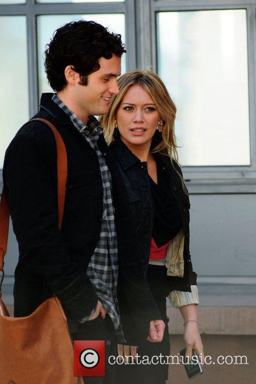 Penn Badgley and Hilary Duff 4