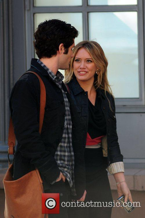 Penn Badgley and Hilary Duff 8