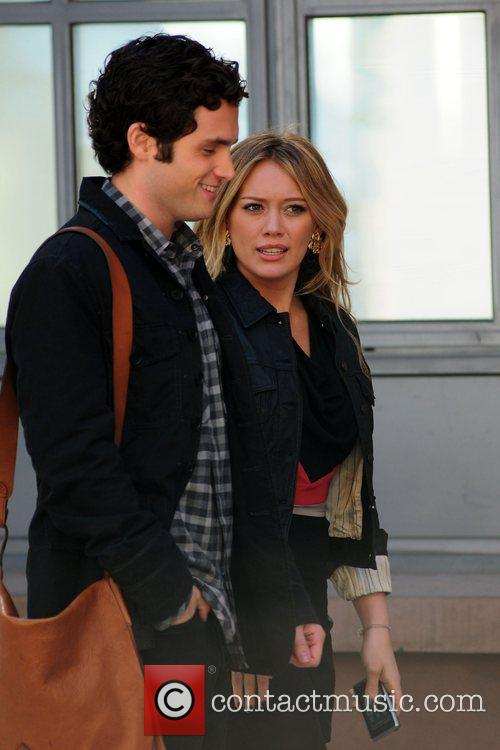 Penn Badgley and Hilary Duff 6