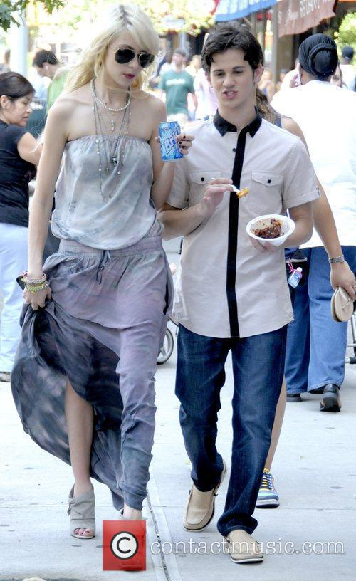 Taylor Momsen and Connor Paolo 10