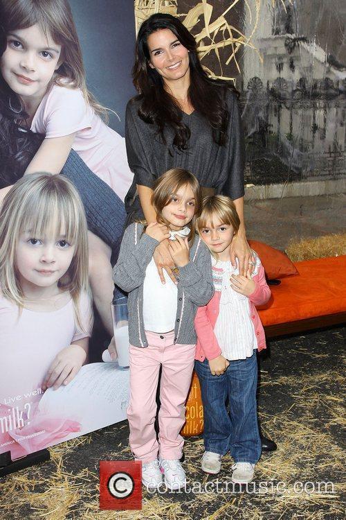 Angie Harmon, Kids, Finley Faith Sehorn and Avery Grace Sehorn 3
