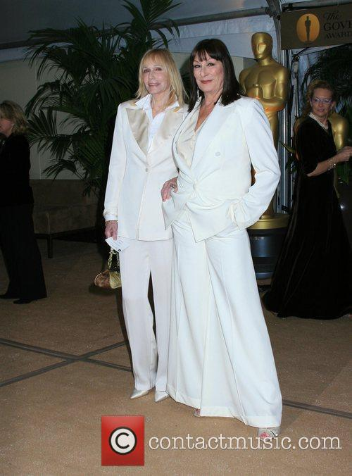 Sally Kellerman and Actress Anjelica Huston 3
