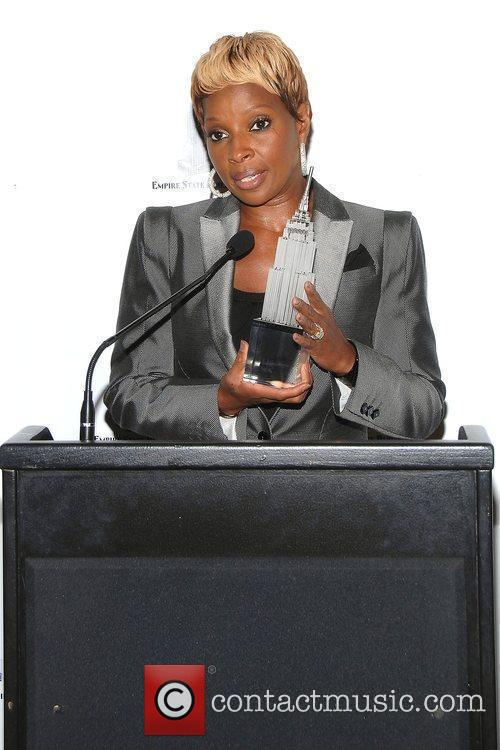 Mary J. Blige Hosts The Lighting Ceremony At The Empire State Building Celebrating Gucci For F.f.a.w.n. Day 6