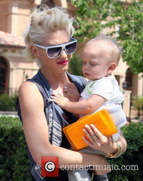 Gwen Stefani, Her Son Zuma Go Shopping At Bristol Farms Then Stop By The Park To Change Zuma's Diaper. It Was Zuma's First Birthday and They Celebrated With A Party At Their Home 6