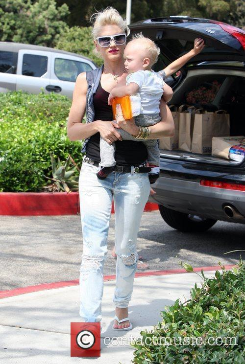 Gwen Stefani, Her Son Zuma Go Shopping At Bristol Farms Then Stop By The Park To Change Zuma's Diaper. It Was Zuma's First Birthday and They Celebrated With A Party At Their Home 5
